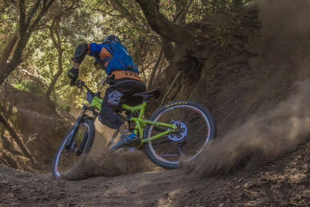 How to Choose the Best Mountain Bike Apparel